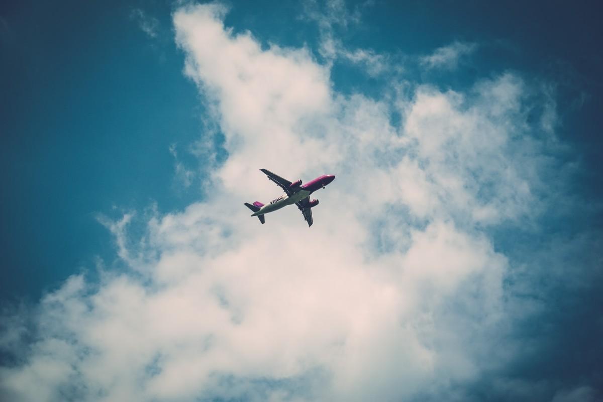Vapes on a Plane